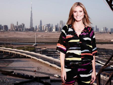 Supermodel & Superskyscraper. Photo via Emirates 24/7.